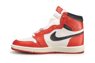 View 8. Thumbnail of Lot 9. Nike Air Jordan 1 High OG (1985) 'Chicago' | Size 9.