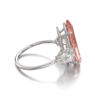 View 2. Thumbnail of Lot 156. Rare fancy vivid orangy pink diamond ring | 艷彩橙粉紅色鑽石戒指.