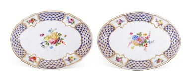 A PAIR OF SÈVRES OVAL DISHES, CIRCA 1760