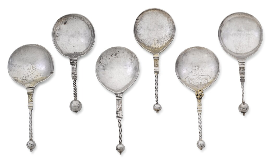 SIX NORWEGIAN SILVER AND PARCEL-GILT SILVER SPOONS, VARIOUS MAKERS AND TOWNS, CIRCA 1620/40