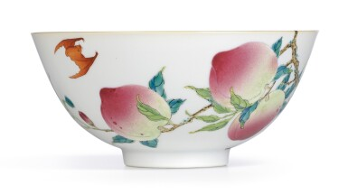View 3. Thumbnail of Lot 3622. AN EXTREMELYFINE AND RARE FAMILLE-ROSE 'PEACH' BOWL MARK AND PERIOD OF YONGZHENG | 清雍正 粉彩過枝福壽雙全盌 《大清雍正年製》款.