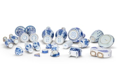 View 2. Thumbnail of Lot 185. Ensemble de porcelaines bleu blanc Dynastie Qing, XVIIIE et XIXE siècle | 清十八及十九世紀 青花瓷器 一組二十 一件 | A group of twenty-one blue and white wares, Qing Dynasty, 18th and 19th century.
