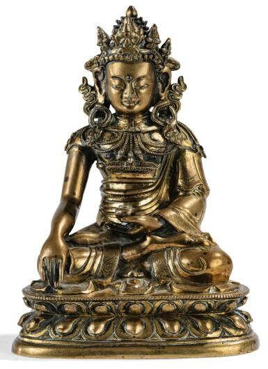 View 1. Thumbnail of Lot 21. STATUETTE DE BOUDDHA EN BRONZE DORÉ DYNASTIE QING, XVIIIE SIÈCLE | 清十八世紀 鎏金銅佛坐像 | A gilt bronze figure of Buddha, Qing Dynasty, 18th century.
