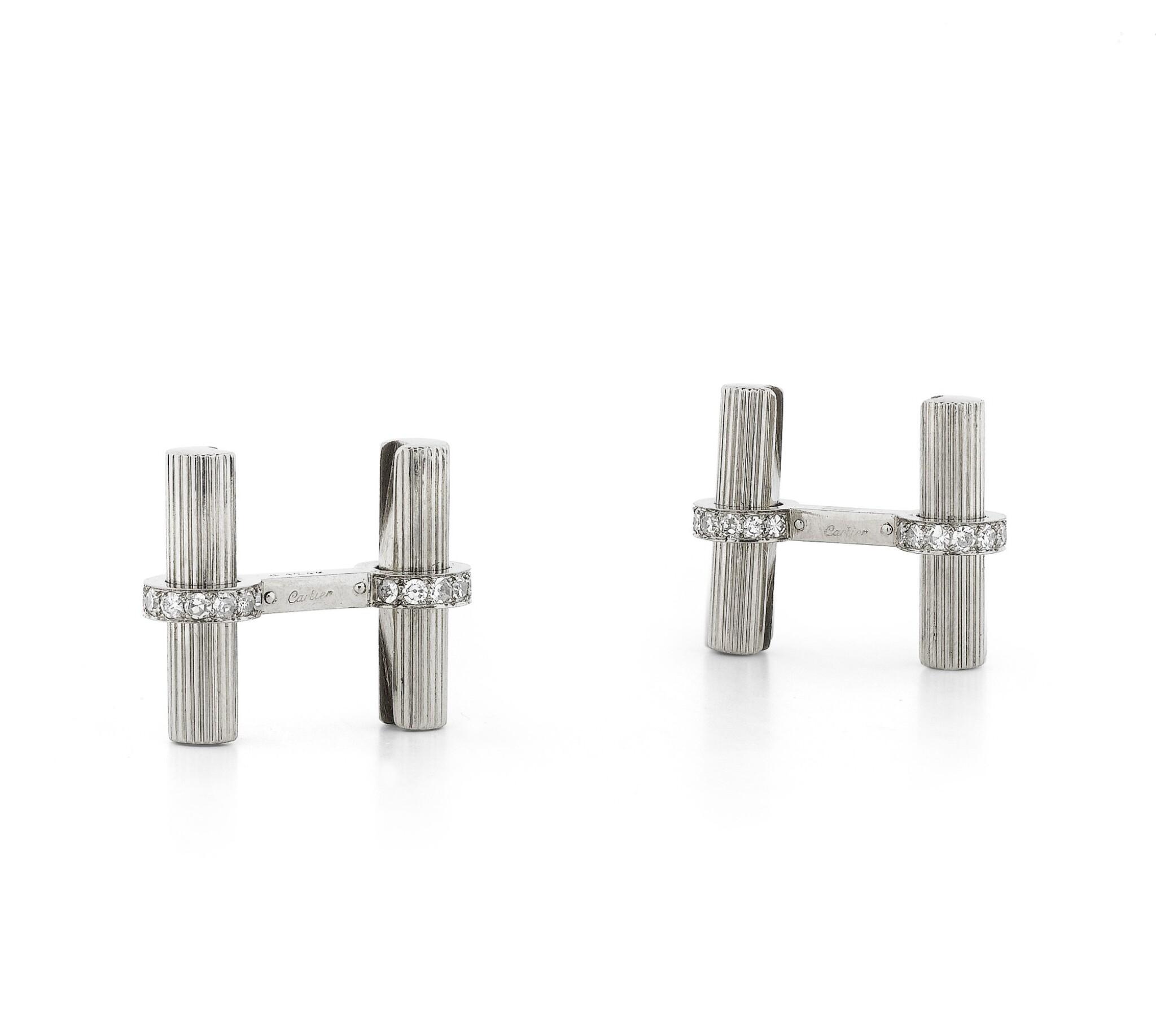 View full screen - View 1 of Lot 96. Paire de boutons de manchette diamants | Pair of diamond cufflinks.