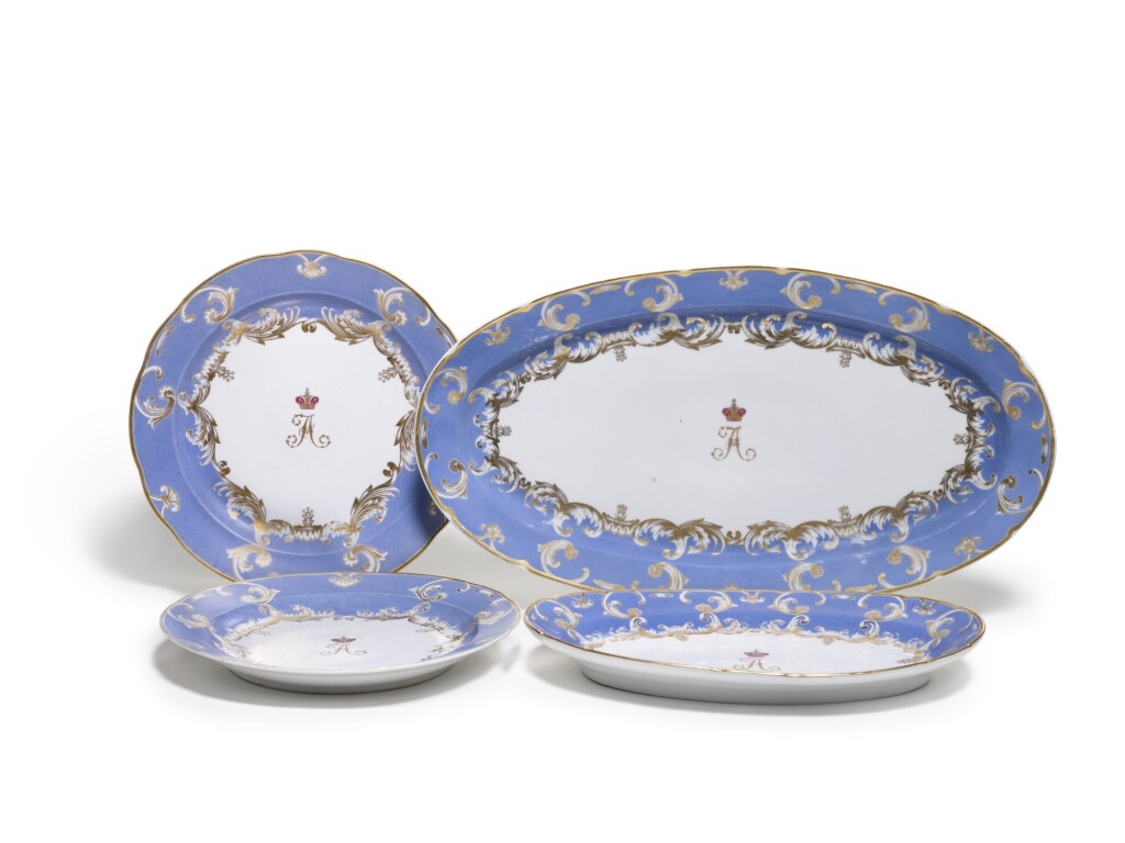 A GROUP OF FOUR PORCELAIN PLATES AND PLATTERS FROM THE FARM PALACE BANQUET SERVICE, IMPERIAL PORCELAIN FACTORY, ST PETERSBURG, PERIOD OF NICHOLAS I (1825-1855)