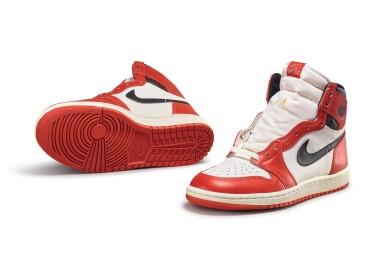 View 3. Thumbnail of Lot 9. Nike Air Jordan 1 High OG (1985) 'Chicago' | Size 9.