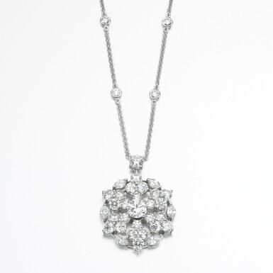 View 2. Thumbnail of Lot 83. Graff | Diamond necklace, 'Snowflake'.