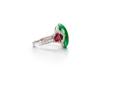 View 2. Thumbnail of Lot 1733. Jadeite, Spinel and Diamond Ring   天然翡翠 配 尖晶石 及 鑽石 戒指.