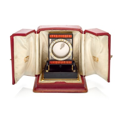 View 6. Thumbnail of Lot 93. PENDULE ECRAN AN IMPORTANT AND RARE ROCK CRYSTAL, ONYX, ENAMEL, CORAL, YELLOW GOLD AND DIAMOND-SET MYSTERY DESK TIMEPIECE, CIRCA 1926.
