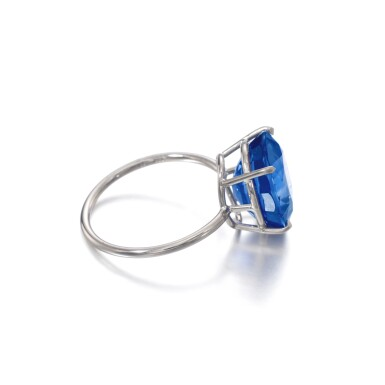 View 2. Thumbnail of Lot 1145. Sapphire ring.