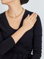 GOLD AND DIAMOND DEMI PARURE, VAN CLEEF & ARPELS | K金 配 鑽石 項鏈及戒指套裝, 梵克雅寶(Van Cleef & Arpels)
