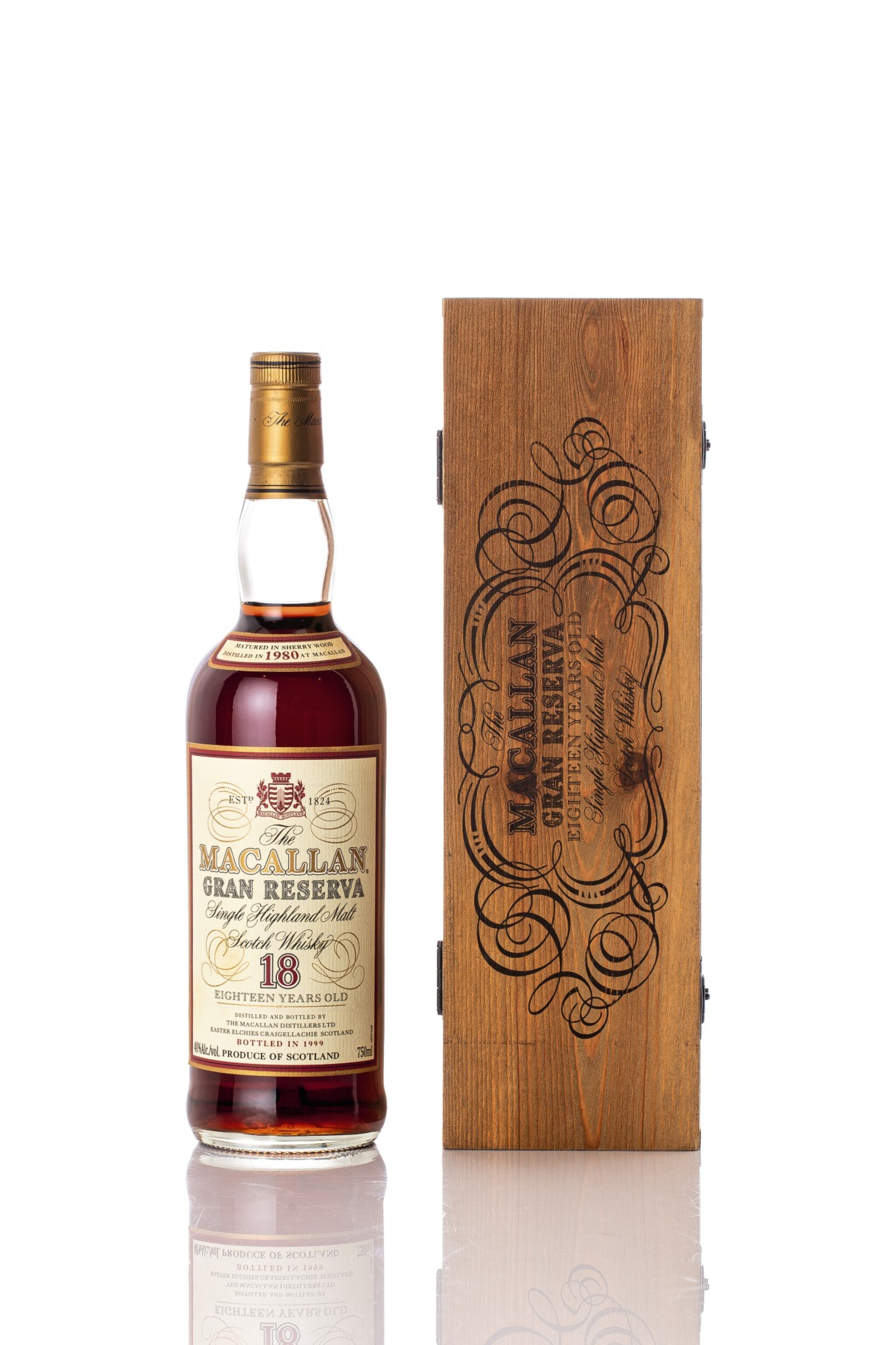View full screen - View 1 of Lot 5513. The Macallan 18 Year Old Gran Reserva 40.0 abv 1980 (1 BT70).