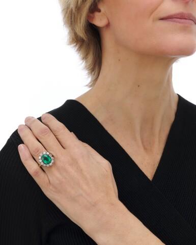 View 5. Thumbnail of Lot 9. Emerald and diamond ring (Anello con smeraldo e diamanti), 1910.