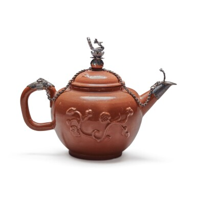 A DUTCH, ARY DE MILDE, SILVER-MOUNTED GLAZED RED STONEWARE TEAPOT AND COVER CIRCA 1700