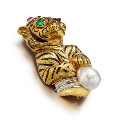 DAVID WEBB | GEM SET, CULTURED PEARL, DIAMOND AND ENAMEL BROOCH | David Webb | 寶石 ,養殖珍珠 配 鑽石 及 琺琅彩 別針