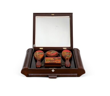 View 3. Thumbnail of Lot 2029. Nguyen Quang Bao 阮光保   A vanity box including a mirror and vanity drawer, with two hair brushes, a jewelry box and a powder box  梳妝盒,內藏鏡子一面、梳妝抽屜一個、髮梳兩把、首飾盒一個及粉盒一個.