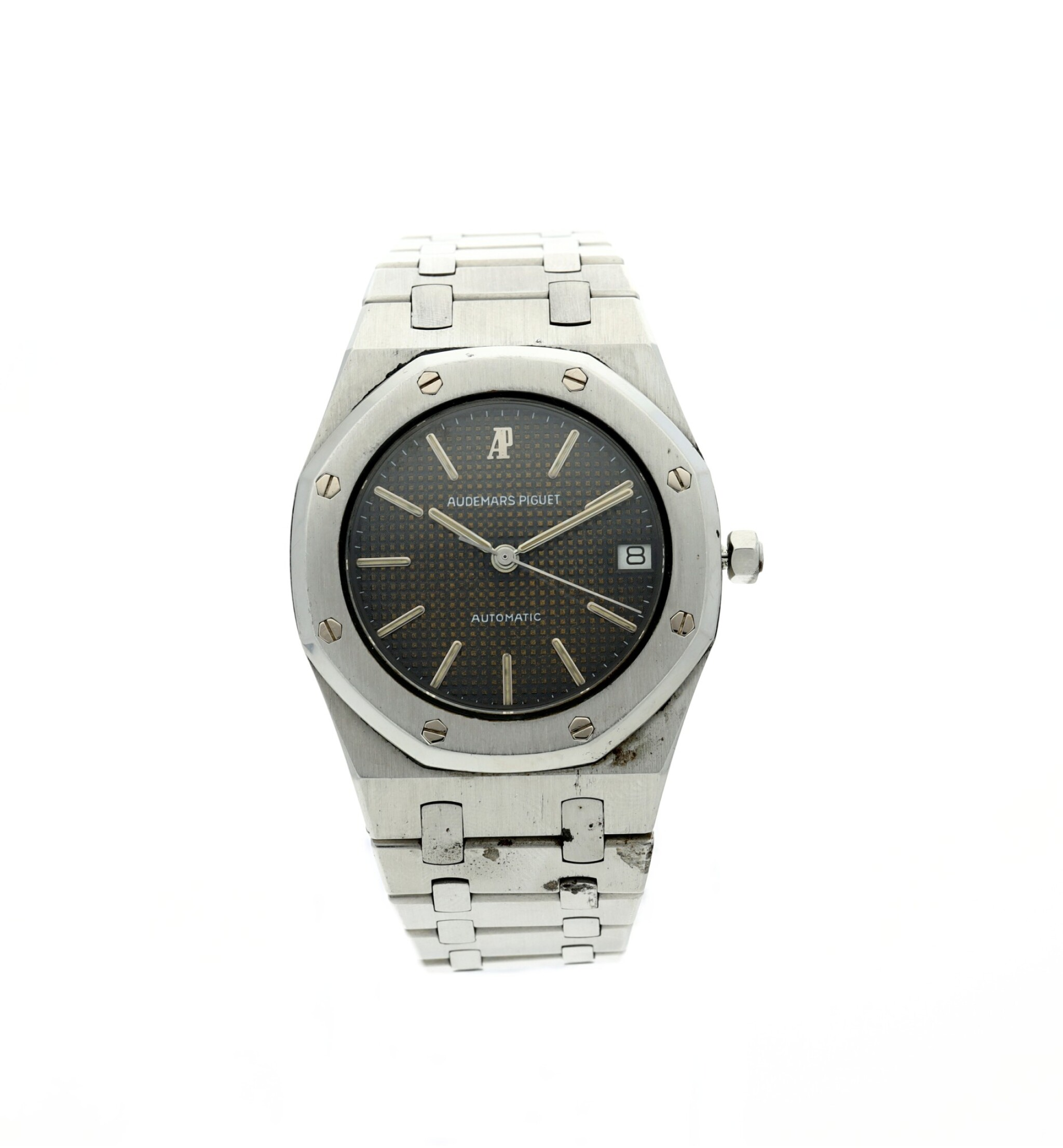 View full screen - View 1 of Lot 112. REFERENCE 4100 ROYAL OAK A STAINLESS STEEL AUTOMATIC WRISTWATCH WITH DATE AND BRACELET, CIRCA 1975.