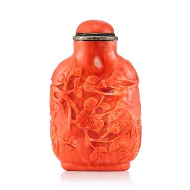 View 2. Thumbnail of Lot 3048. A Carved Coral 'Monkey' Snuff Bottle Qing Dynasty, 18th - 19th Century  | 清十八至十九世紀 珊瑚雕靈猴紋鼻煙壺.