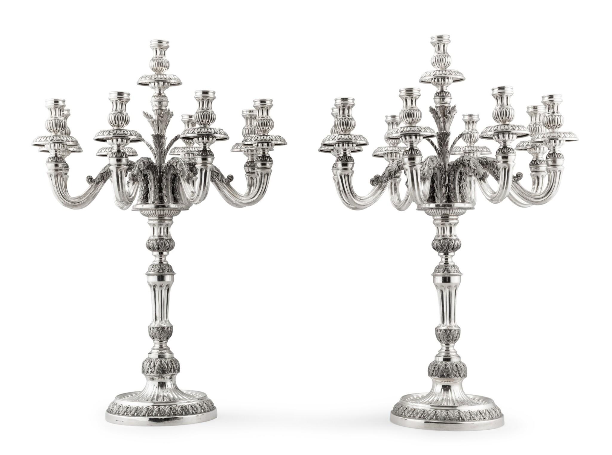 An Italian silver pair of large nine-light candelabra, Buccellati, Milan, circa 1980 | Paire de grands chandeliers à neuf lumières en argent par Buccellati, Milan, vers 1980