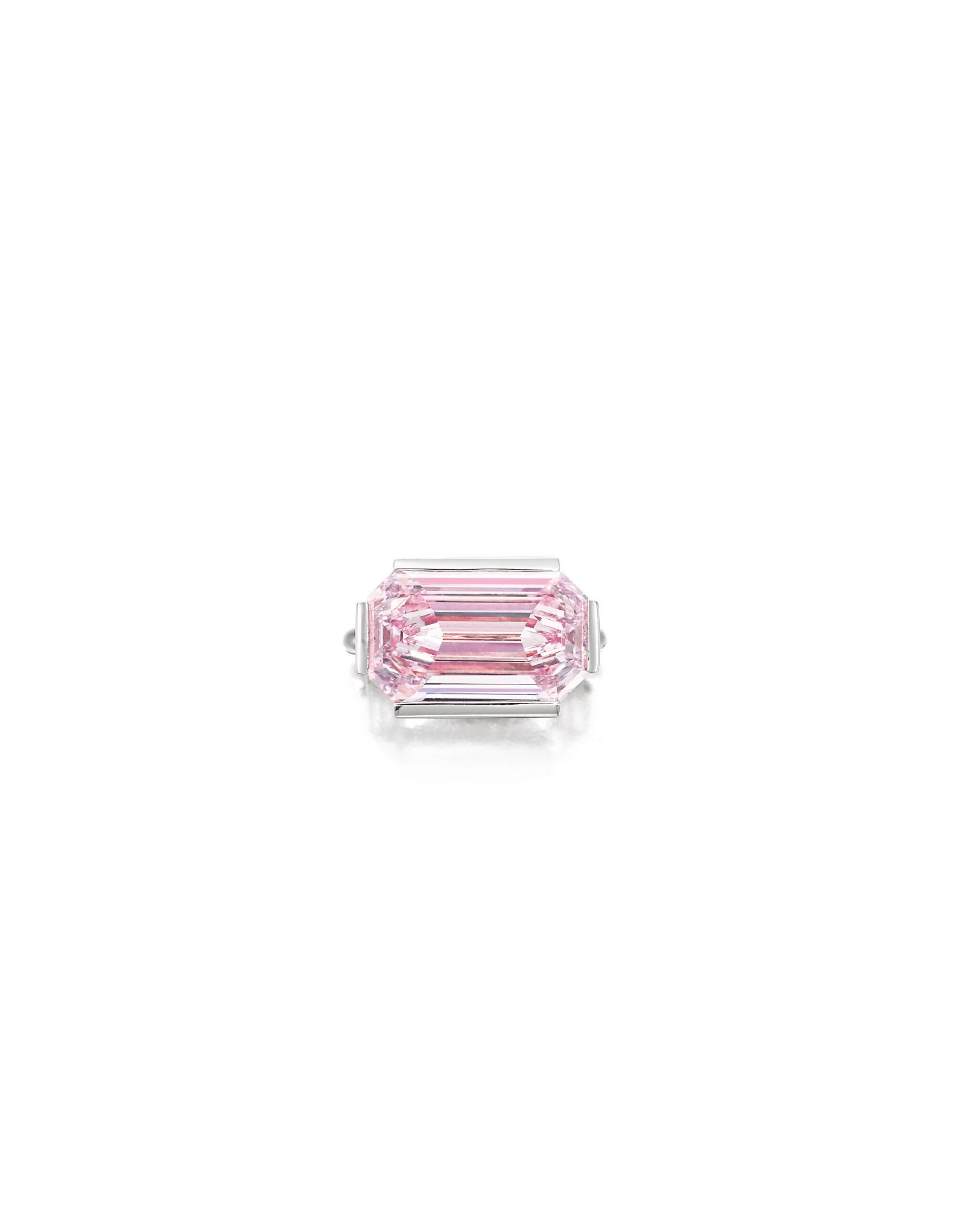 View full screen - View 1 of Lot 1759. Sotheby's Diamonds by Joseph Ramsay | 'Dam' Fancy Intense Purplish Pink Diamond and Diamond Ring | 「蘇富比鑽石」Joseph Ramsay 設計 |「傾城」7.00克拉 濃彩紫粉紅色 內部無瑕 鑽石 配 鑽石 戒指.