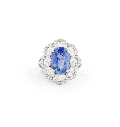 View 1. Thumbnail of Lot 32. BAGUE SAPHIR À CHANGEMENT DE COULEUR ET DIAMANTS |  COLOUR CHANGE SAPPHIRE AND DIAMOND RING.
