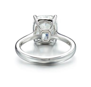 View 3. Thumbnail of Lot 9126. DIAMOND RING   5.01卡拉 古墊形 E色 VVS2淨度 鑚石 戒指.