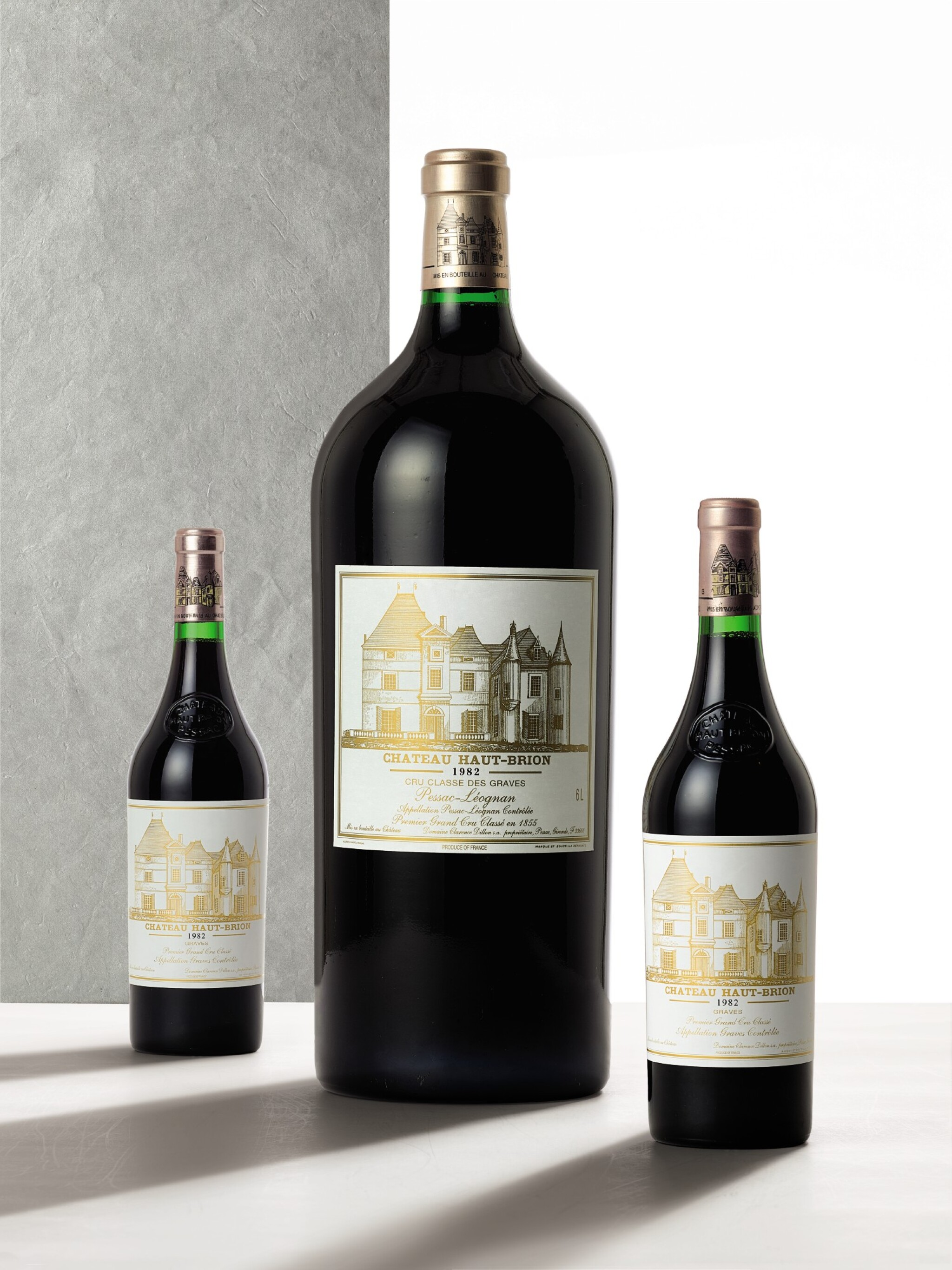 View full screen - View 1 of Lot 3035. Château Haut Brion 1982  (1 IMP).