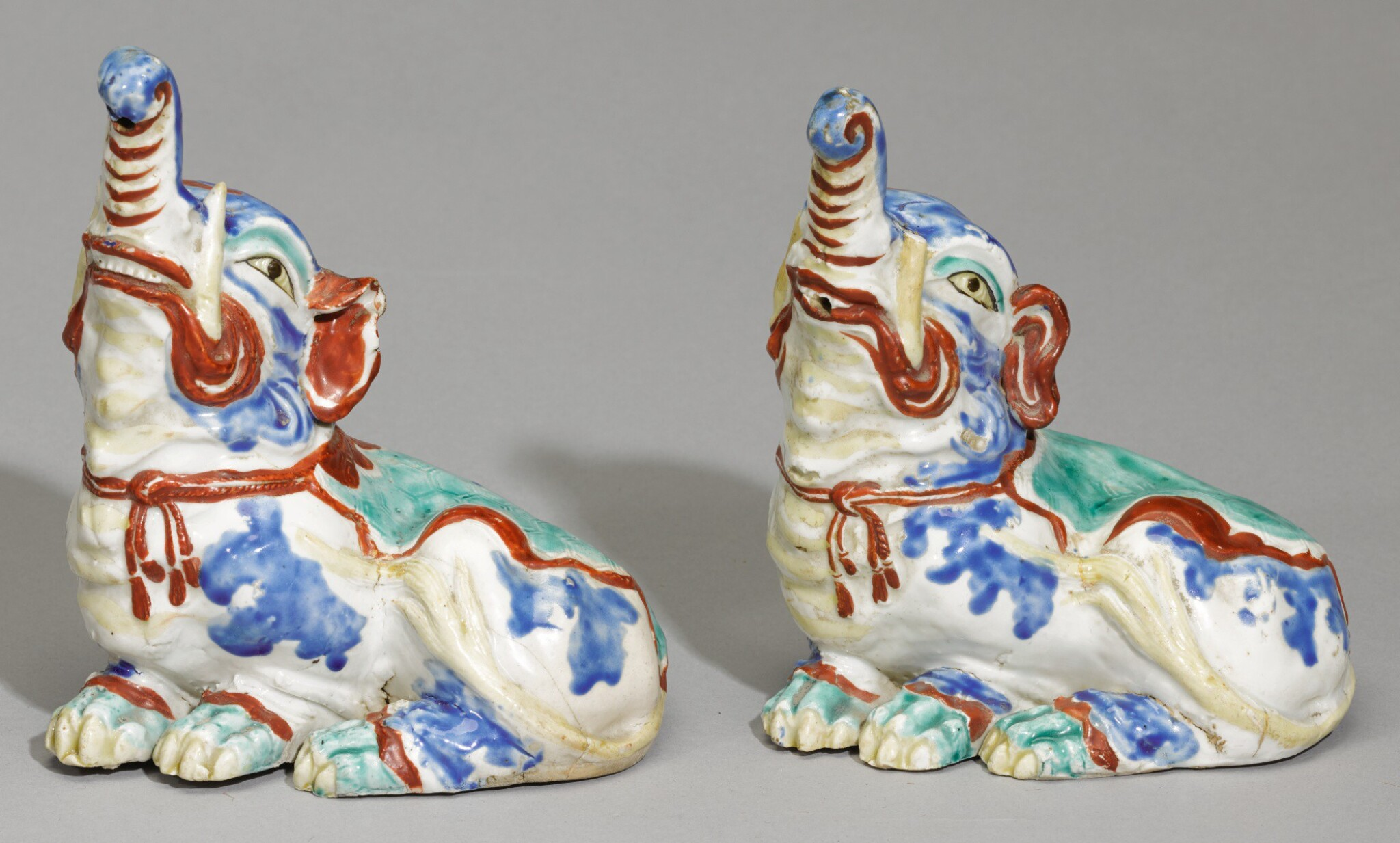 View full screen - View 1 of Lot 80. A PAIR OF FINE AND RARE KAKIEMON ELEPHANTS, EDO PERIOD, LATE 17TH CENTURY.