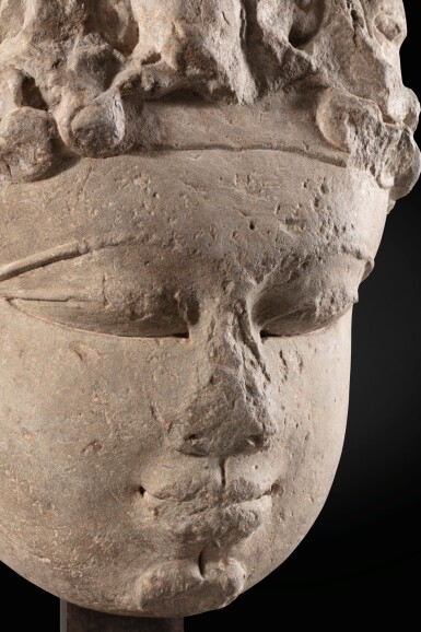View 7. Thumbnail of Lot 243. A monumental buff sandstone head of a Devi North India, 9th-10th century | 印度北部 九至十世紀 砂岩雕提毗首.