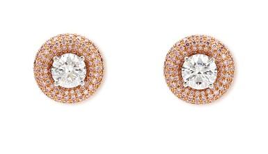 View 2. Thumbnail of Lot 1013. Pair of Diamond Earrings | 格拉夫| 1.01及1.00克拉 圓形 E色 鑽石 耳環一對 (小鑽石共重約1.60克拉).