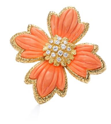 View 4. Thumbnail of Lot 621. Van Cleef & Arpels | Coral and diamond brooch/pendant, 1970s | 梵克雅寶 | 珊瑚配鑽石別針/吊墜,1970年代.