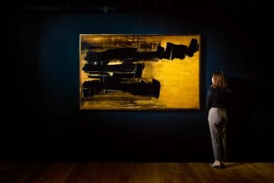 View 3. Thumbnail of Lot 1034. Pierre Soulages 皮耶・蘇拉吉 | Peinture 125 x 202 cm, 30 Octobre 1958 畫作 125 X 202厘米,1958年10月30日.