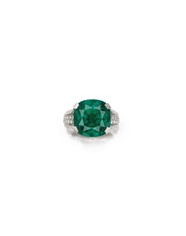 View 1. Thumbnail of Lot 1736. Cartier   Emerald and Diamond Ring   卡地亞   12.16克拉 天然「哥倫比亞」祖母綠 配 鑽石 戒指.