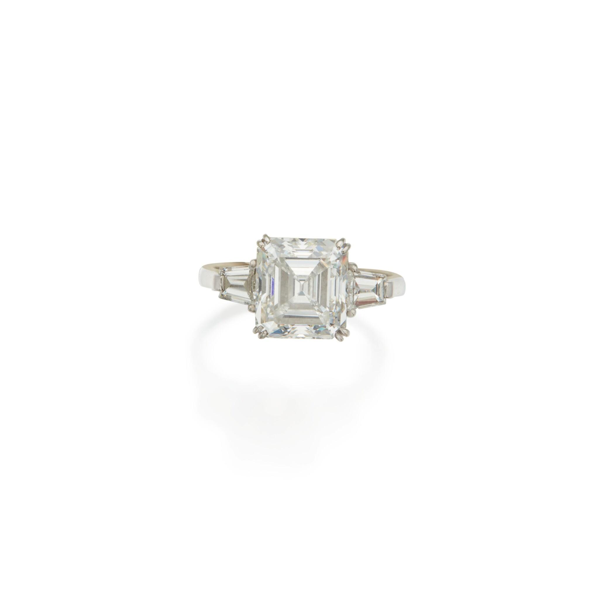 View 1 of Lot 463. Diamond Ring.