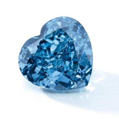 View 3. Thumbnail of Lot 1806. A SUPERB FANCY VIVID BLUE DIAMOND AND DIAMOND RING  5.04卡拉 心形 艷彩藍色 VS2淨度 鑽石 配 鑽石 戒指.