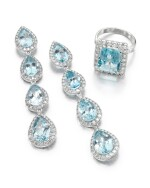 PAIR OF AQUAMARINE AND DIAMOND EARRINGS AND A RING