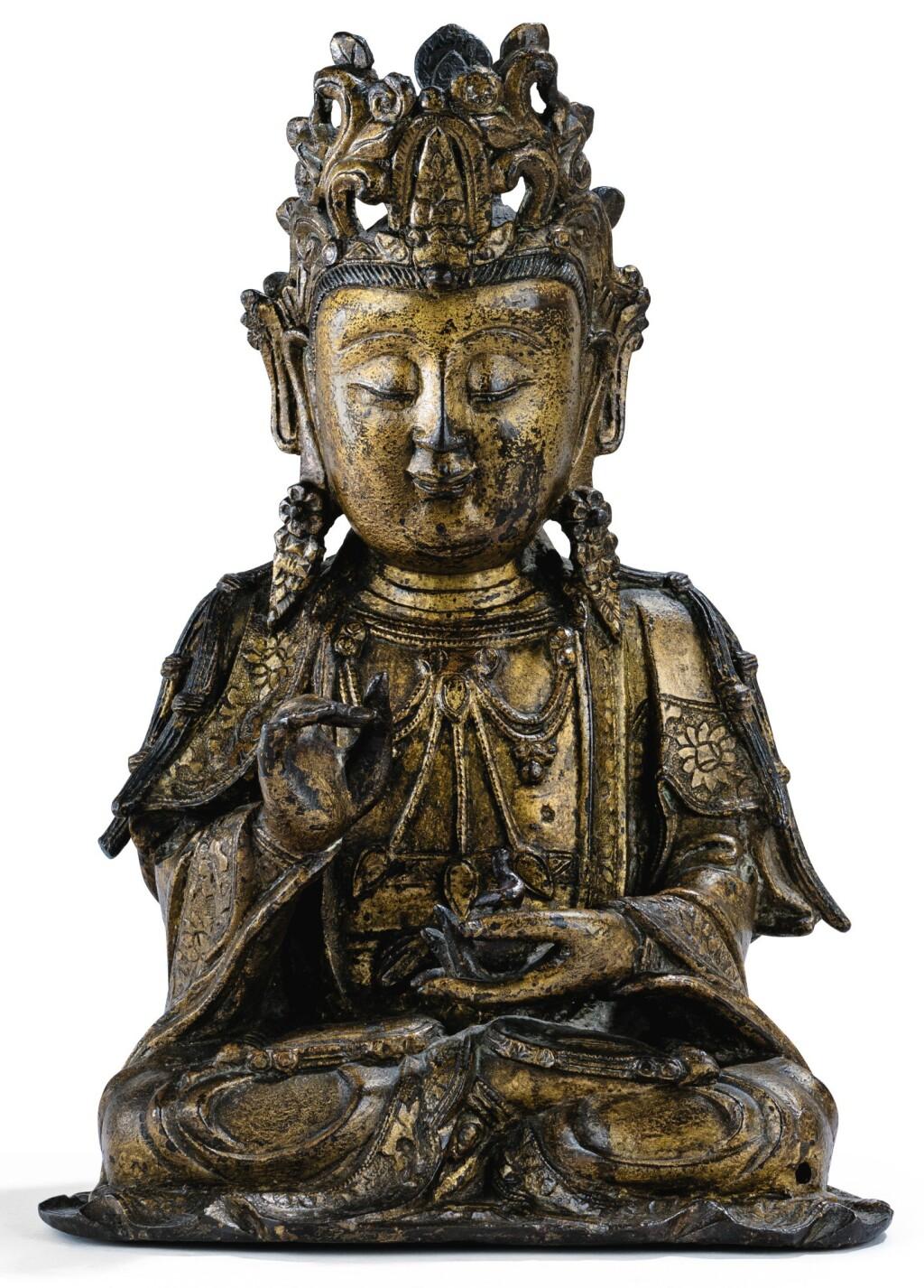 STATUETTE DE GUANYIN EN BRONZE LAQUÉ OR DYNASTIE MING | 明 漆金銅觀音坐像 | A lacquer-gilt figure of Guanyin, Ming Dynasty