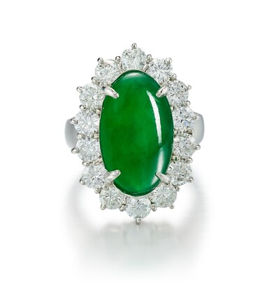 JADEITE AND DIAMOND RING | 天然翡翠 配 鑽石 戒指