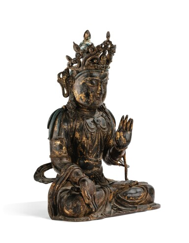 View 3. Thumbnail of Lot 182. A LARGE GILT-LACQUERED BRONZE FIGURE OF AVALOKITESHVARA MING DYNASTY, 15TH/16TH CENTURY | 明十五/十六世紀 漆金銅觀音菩薩坐像.