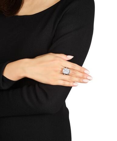 View 3. Thumbnail of Lot 1694. Sotheby's Diamonds   'Basket' Diamond Ring   「蘇富比鑽石」   'Basket' 21.14克拉 方形 D色 完美無瑕 鑽石 戒指.