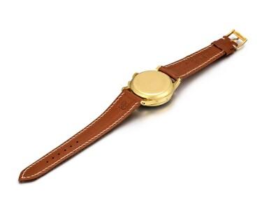 View 7. Thumbnail of Lot 2263. Patek Philippe | Reference 1518, A highly exceptional yellow gold perpetual calendar chronograph wristwatch with moon phases and original box, Circa 1951 | 百達翡麗 | 型號1518 非常精美黃金萬年曆計時腕錶,備月相顯示,附帶原裝盒子,約1951年製.