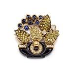 SAPPHIRE, ONYX AND DIAMOND PENDANT, CARTIER | 藍寶石 配 縞瑪瑙 及 鑚石 吊墜, 卡地亞(Cartier)