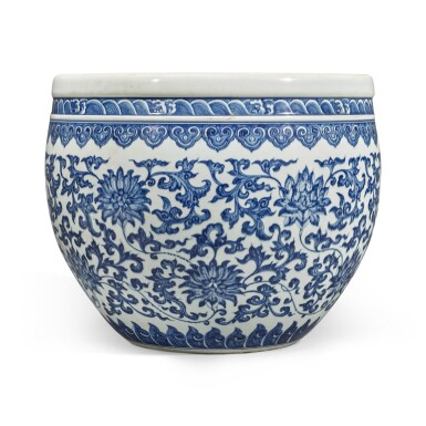View 3. Thumbnail of Lot 74. A blue and white 'floral' fishbowl, Qing dynasty, 18th century | 清十八世紀 青花纏枝蓮紋缸.