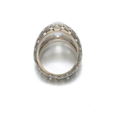 View 4. Thumbnail of Lot 140. Diamond ring (Anello con diamanti).