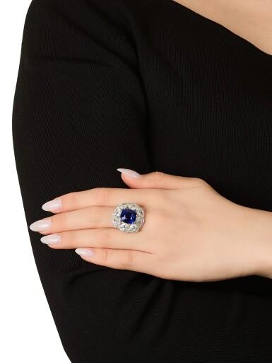 View 5. Thumbnail of Lot 1731. Sapphire and Diamond Ring   9.56克拉 天然「緬甸皇家藍」藍寶石 配 鑽石 戒指(鑽石共重約13.44克拉).