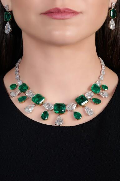 View 5. Thumbnail of Lot 167.  Moussaieff | Impressive emerald and diamond demi-parure | Moussaieff | 祖母綠配鑽石首飾套裝.