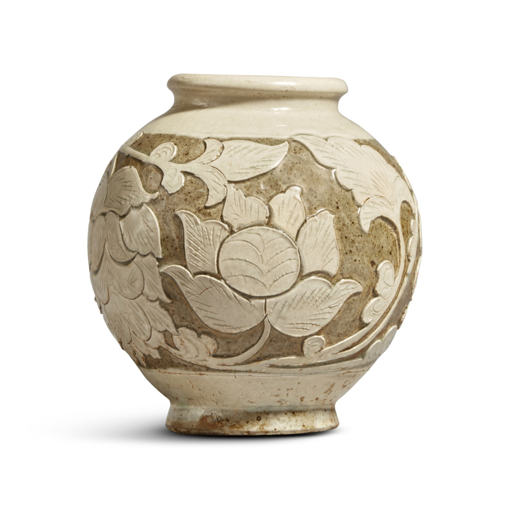 View full screen - View 1 of Lot 186. A 'Cizhou' sgraffiato 'floral' ovoid vase, Jin dynasty | 金 磁州窰白釉剔花罐.
