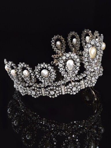 View 11. Thumbnail of Lot 180. Musy | Magnificent and Historic Natural pearl and diamond tiara/necklace, second half of the 19th century | Musy | 天然珍珠配鑽石王冠/項鏈,十九世紀下半葉,具歷史價值.