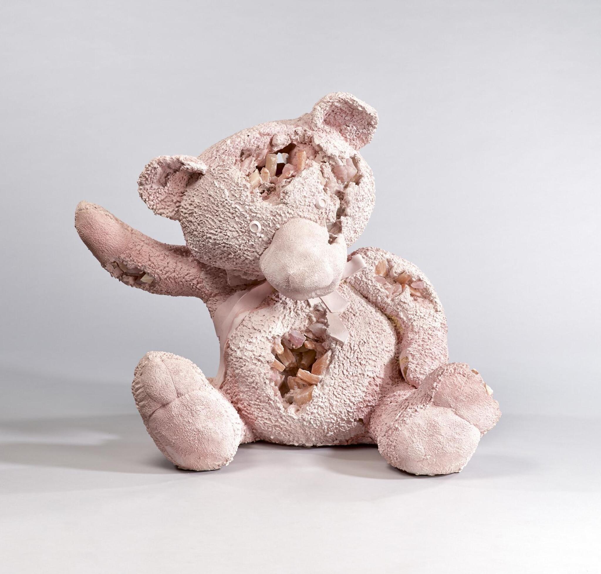 View full screen - View 1 of Lot 515. DANIEL ARSHAM 丹尼爾·阿爾軒 | PINK SELENITE & ROSE QUARTZ TEDDY BEAR 粉色亞硒酸鹽和玫瑰石英泰迪熊.
