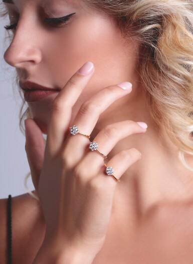 THREE DIAMOND RINGS, MICHELE DELLA VALLE